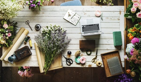 Things You Can Do To Declutter Your Workspace