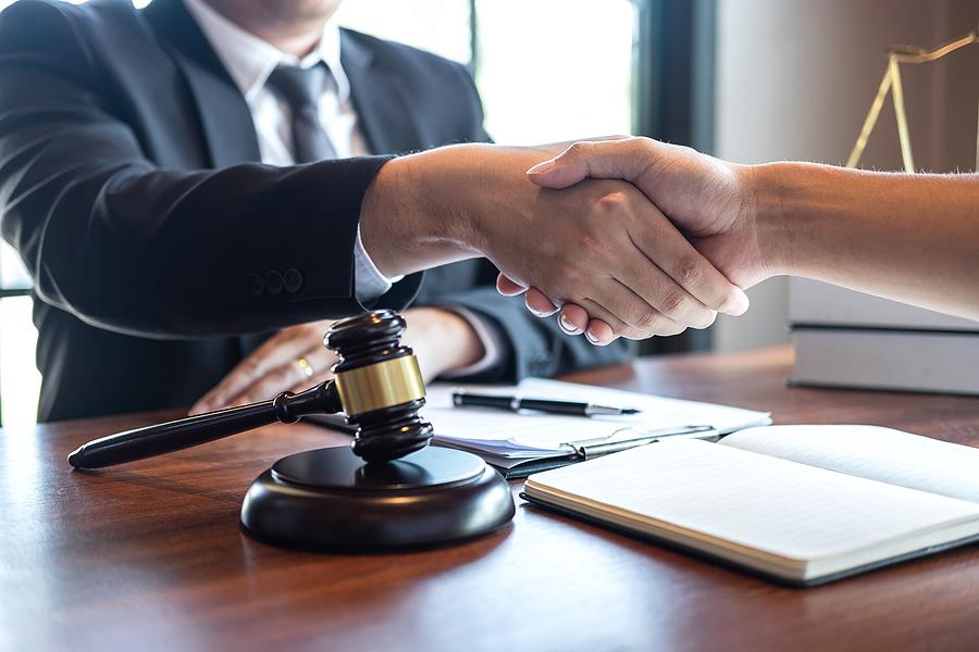 Divorce for men specialist meeting a client